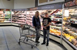 Holly Thueson and John Sutton at the new Smart & Final Extra! in Bishop